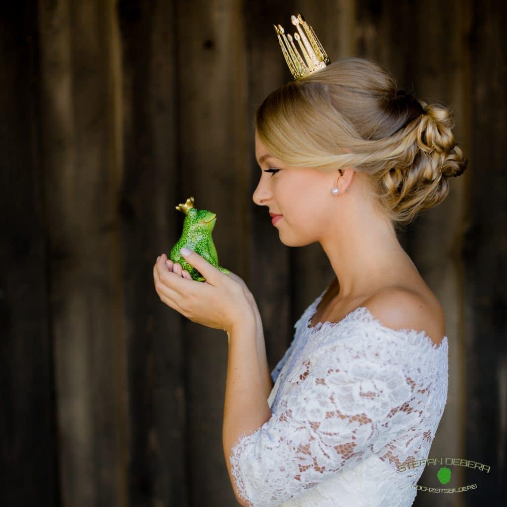 La novia, Hochzeitsmode für Braut & Bräutigam, Brautmode